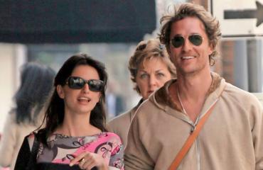Näyttelijät Penelope Cruz ja Matthew McConaughey