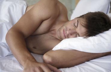 Nukkuva mies ei kaipaa ympärilleen melua.
