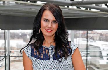Iskelmä tähti Anne Mattila on liikenainen.