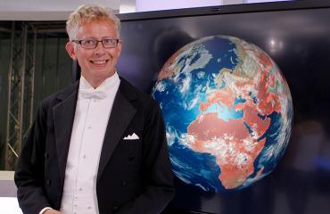 Pekka Pouta poseeraa Seiskalle