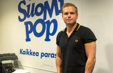 Hovimuusikko Ilkka eli Ilkka Ihamäki kuuluu Aamulypsyn vakiokalustoon.