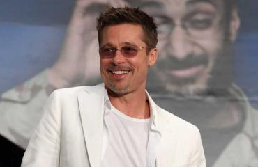 Brad Pitt käy terapiassa.