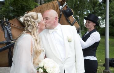 Sanna Saarijärvi ja Hermanni Seppälä menivät naimisiin.