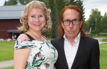 Heidi Strömmer & Mattiesko Hytönen osallistuivat Sanna Saarijärven häihin.