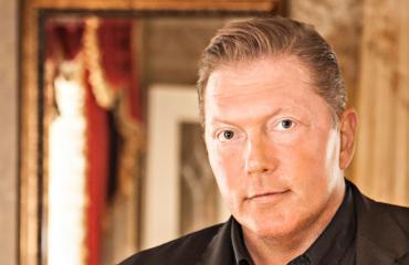 Vesa Keskinen tilasi HIM-yhtyeen esiintymään synttäreilleen.