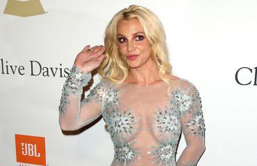 Britney Spears punaisella matolla