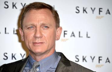 Daniel Craig punaisella matolla