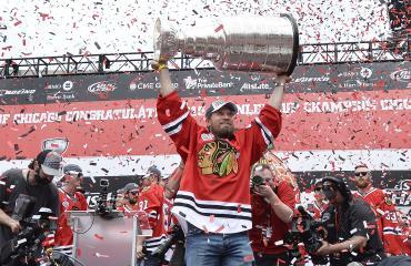 Kimmo Timonen voitti Stanley Cupin viimeisellä kaudellaan 2014-2015.