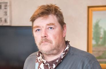 Jyrki Peltoniemi paloi pahoin 2014.