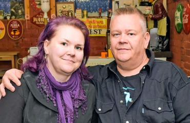 Heli ja Aki Palsanmäki tinkasivat Espanjassa.