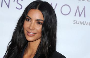 Kim Kardashian pukeutui paljastavaan halloween-asuun.