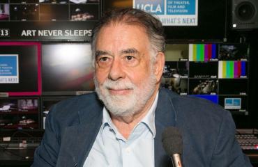 Francis Ford Coppola jäi kiinni pepun tuijottelusta.