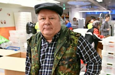 Heikki Hursti lähettää terveisiä eduskuntaan.