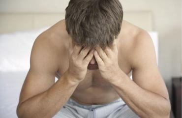 Miehet kärsivät seksipäänsärystä.