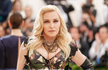 Madonna yllätettiin meikittömänä.