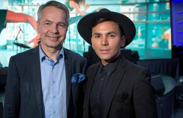 Pekka Haavisto ja Antonio Flores pohtivat muuttoa ulkomaille.
