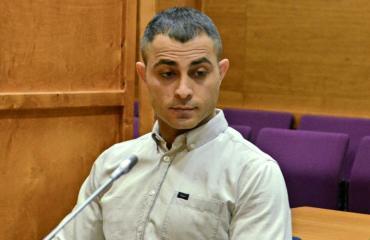 Aresh Amirkhani oikeudessa.