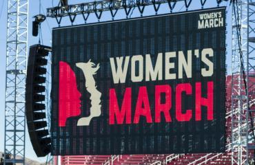 Naisten marssilla puhuttiin feminismistä.