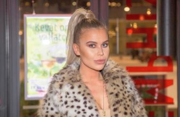 Adeliina Kaasalainen esiintyi jenkkiräppärin musiikkivideolla.