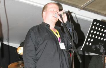 Sepi Kumpulainen on laulava talonmies.
