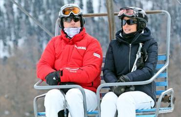 Prinssi Edwardin perheen hiihtoloma ei mennyt putkeen.