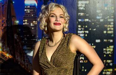 Cherry Nancy Tinkerbella esiintyy X Factorissa.