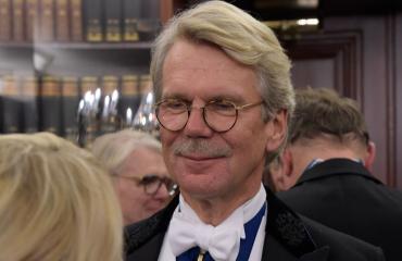 Björn Wahlroos nähtiin lentokentällä.