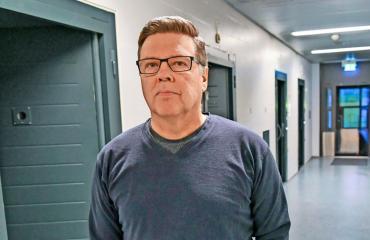 Jari Aarnio elää Vantaan vankilassa.