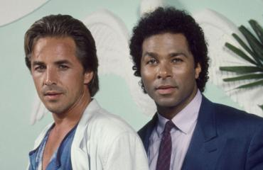 Philip Michael Thomas ja Don Johnson