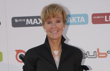 Helena Petäistö kävi puhelinkaupassa.