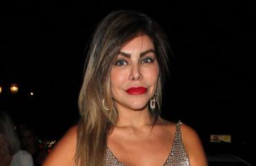 Liziane Gutierrez taistelee hengestään.