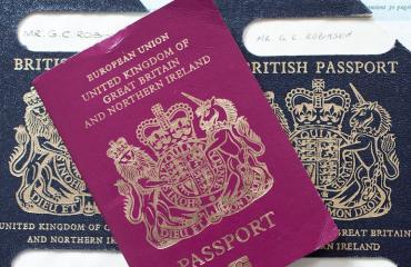 Britannian passeja myönnetään rajoitetusti.