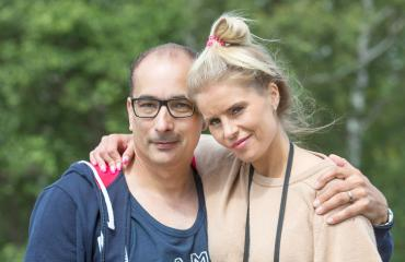 Heikki Lampela ja Hanna Kärpänen nähtiin Kaivopuistossa.