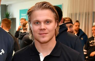 Mikael Granlundilla on hulppea kesämökki.