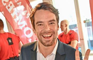 Mikko Leppilampi iski ruotsalaisblondin.