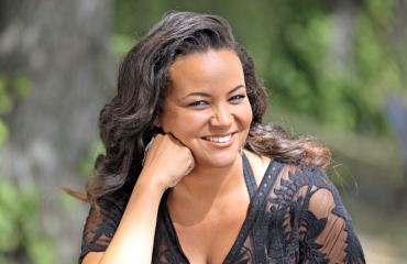 Lola Odusoga karisti kilonsa Selviytyjät-kuvauksissa.