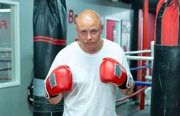 Juho Tolppola haluaa nuorison nyrkkeilysalille.