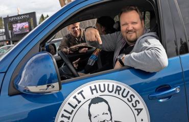 Sami Hedberg luotsaa Grillit huurussa -ohjelmaa.
