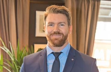 Joni Lindlöf Bachelor