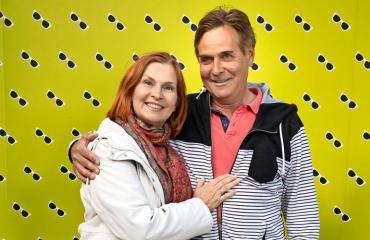 Sari Havas ja Risto-rakas näyttäytyivät ensi-illassa.