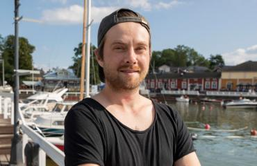 Oskari Ruohonen tekee musiikkia.