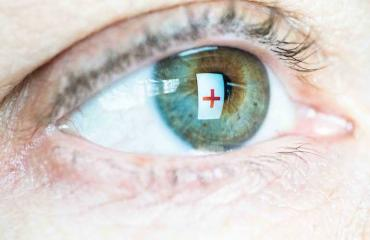 Piilolinssi katosi silmään 28 vuodeksi.