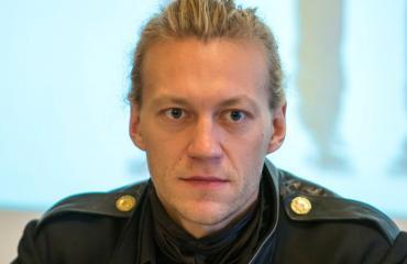 Jukka Hilden lennätti rakkaansa helikopterilla ähtäriin.