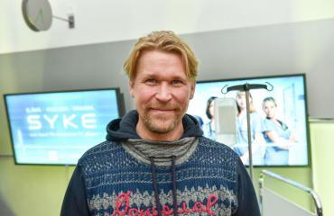Matti Ristinen näyttelee Kari Tapiota.