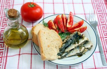 Välimeren ruokavalio on terveellinen.