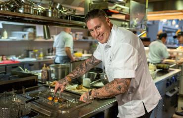 Tomi Bjröck on ravintolabisneksen Cheek.