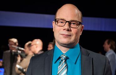 Risto Dufva näyttäytyi ilman paitaa.