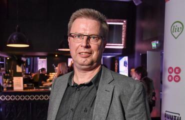 Markku Saukko on Aki Palsanmäen apumies.