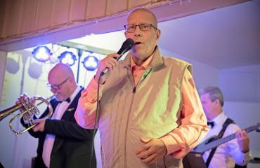 Jarmo Pellinen esiintyi tansseissa.