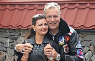 Tauski ja Julia ovat pitäneet yhtä kesäkuun lopusta asti.